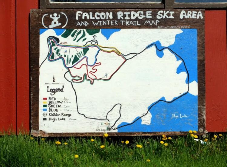 Falcon Resort, plan des pistes, chalet au Canada