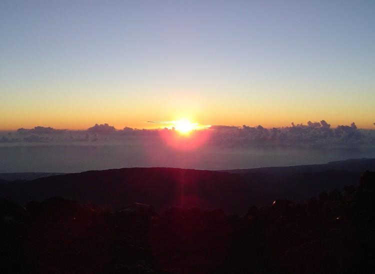 Lever de soleil sur le Piton des Neiges, La Réunion
