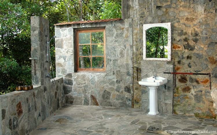 Salle de bain extérieure, Samadhi Center
