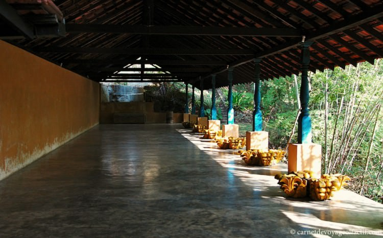 Salle de yoga, Samadhi center