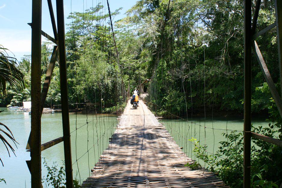 Pont en bambou, sur la route de Batu Karas, Java
