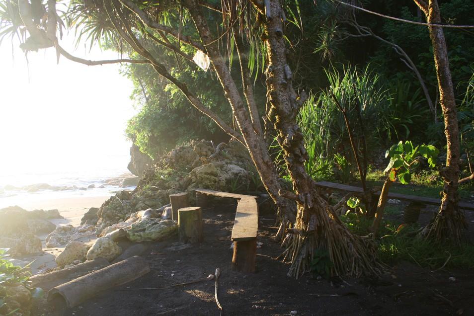 Batu Karas, Java